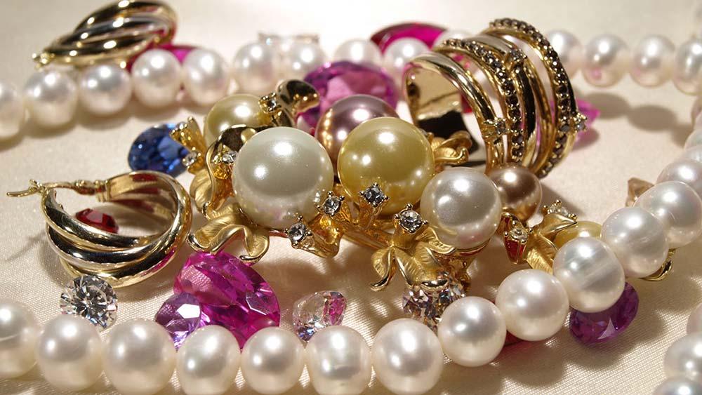 El significado de las joyas y sus materiales