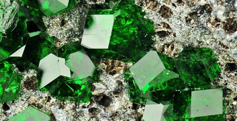 No todas las esmeraldas y piedras preciosas son originales